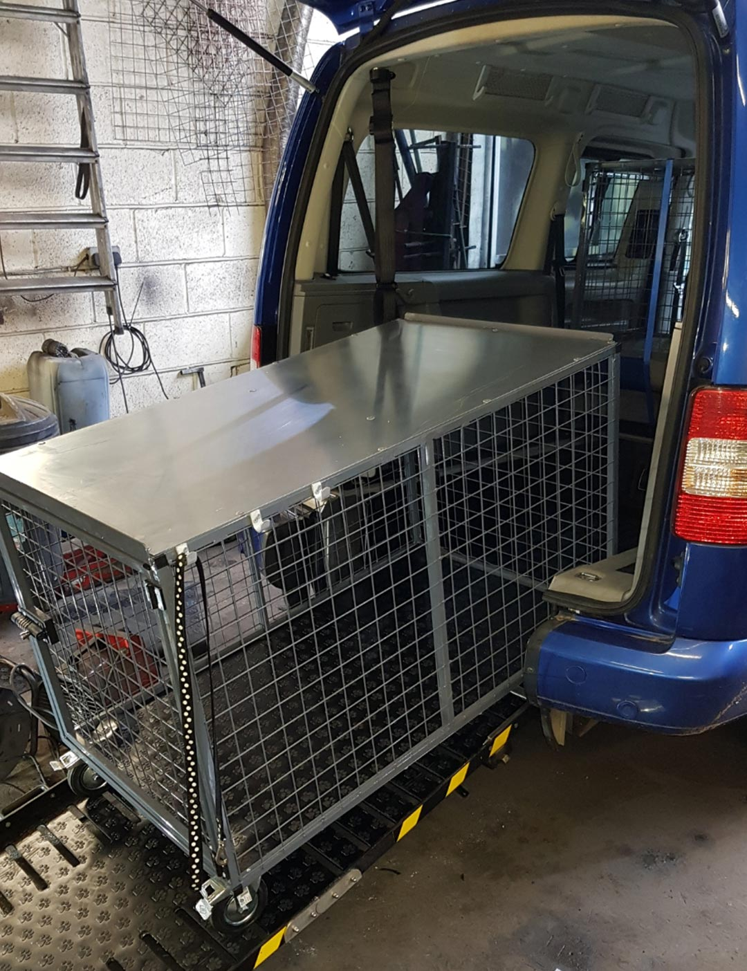 removable dog cage